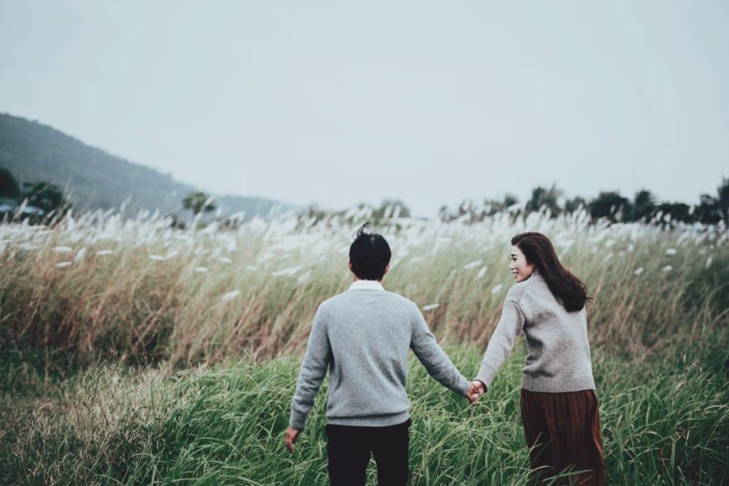 Chụp hình cưới tại đồng cỏ lau Đà Nẵng