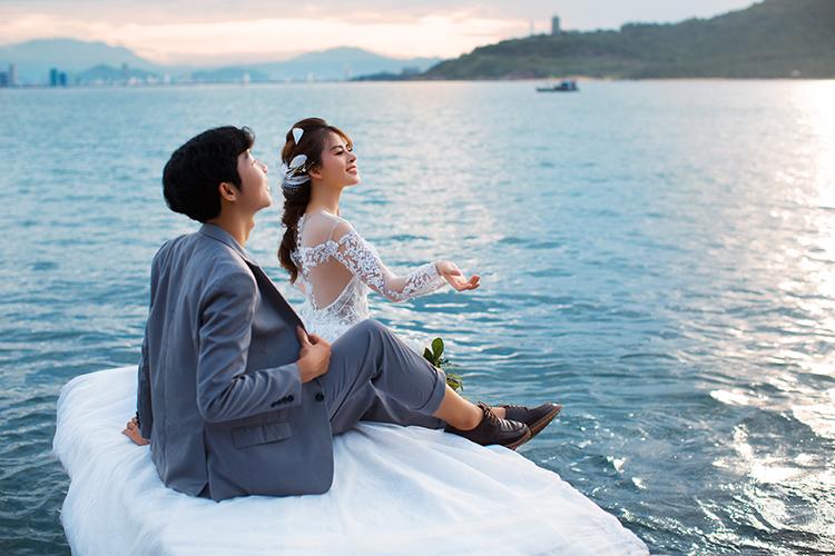Chụp hình cưới tại biển Mỹ Khê Đà Nẵng